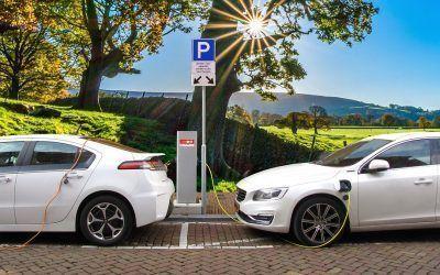Un coche eléctrico tributa alrededor de 72 euros anuales
